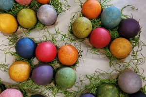 primitive_style_easter_eggs